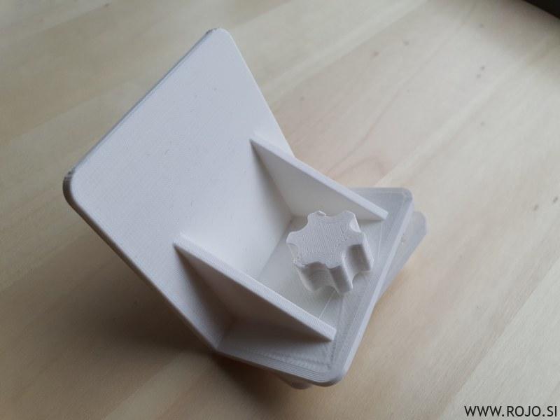 Hladilniška opora / refrigerator holder
